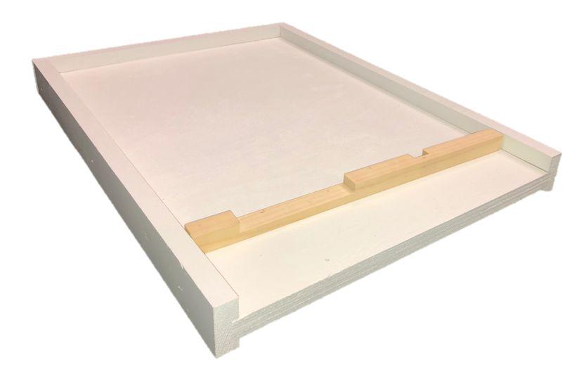 8 Frame White Bottom Board w/Entrance Reducer