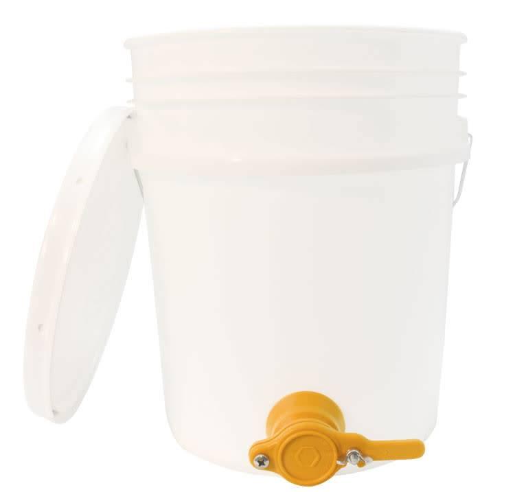 5 Gallon Bucket with Honey Gate