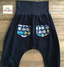 Atelier Tatie Sylvie Sarouel - Taille 24m - Marine poche noeud papillon