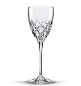 Downing Cuts Avenue Crystal Wine Glass